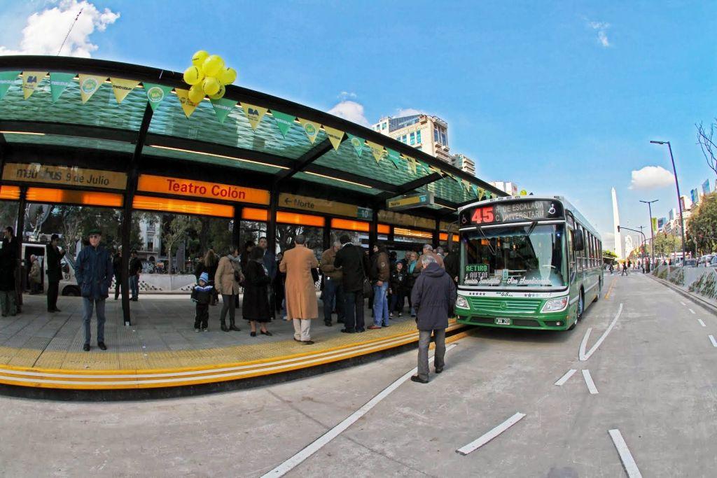 El metrobus de la 9 de julio cumple 1 a o de uso la comuna 7 for Sala 9 de julio