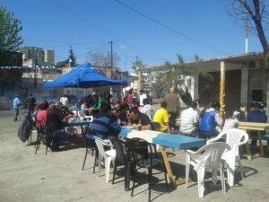 Más de 150 vecinos de Bajo Flores participaron de la campaña.
